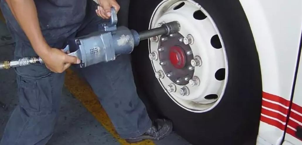 Ремонт и монтаж шин грузовых машин