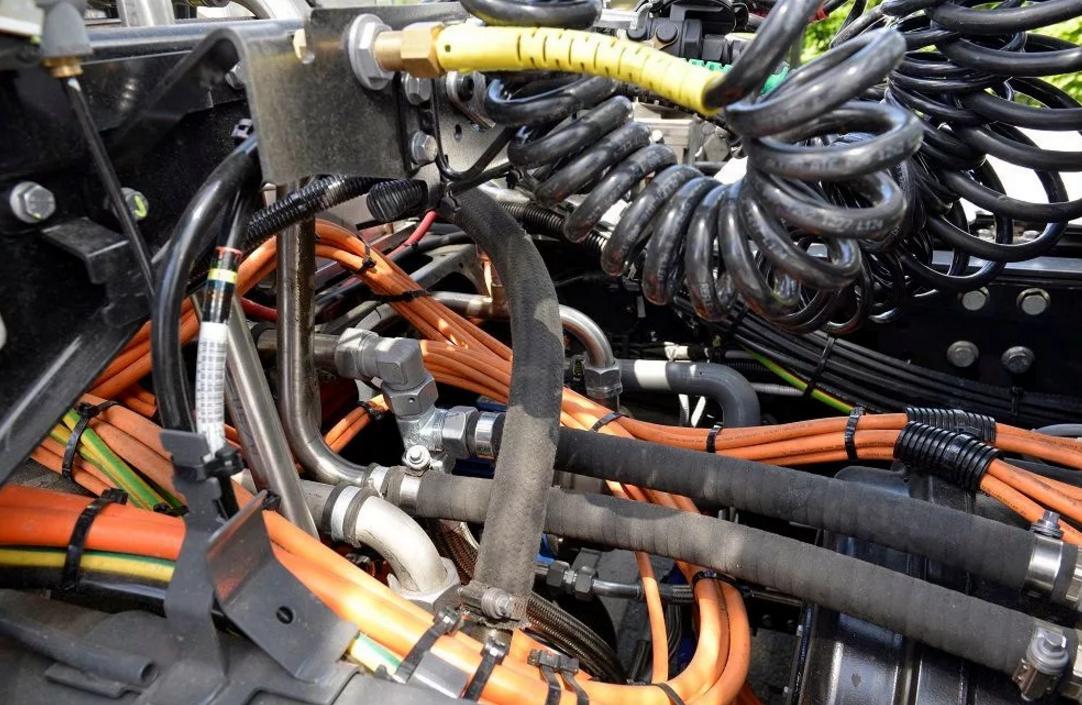 Наш автосервис предоставляет полный спектр услуг по диагностике, обслуживанию и ремонту электрики грузовиков